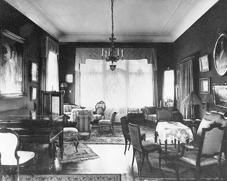 fotos 1906 1935. Black Bedroom Furniture Sets. Home Design Ideas